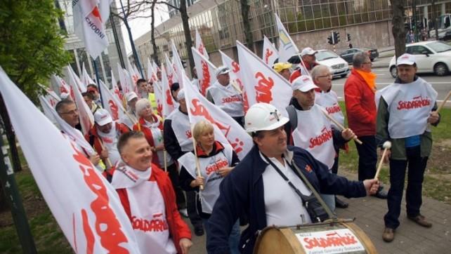 """Czy w Polsce będzie możliwy legalny strajk generalny? """"Solidarność"""" złożyła kolejną skargę do MOP"""